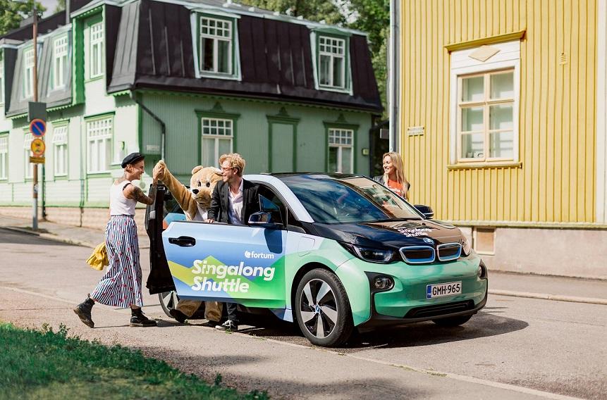 Φινλανδία: Το πρώτο βιώσιμο ταξί στον κόσμο που πληρώνεις με… τραγούδι! (βίντεο)