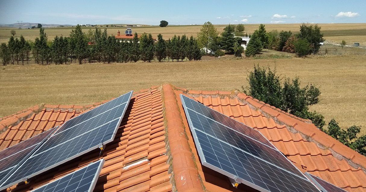 Εγκατάσταση φωτοβολταϊκού συστήματος σε οικία στη Θεσσαλονίκη