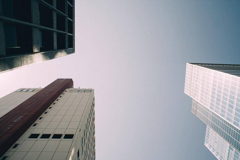 Νέες οδηγίες για την ανακαίνιση κτιρίων στην Ευρώπη