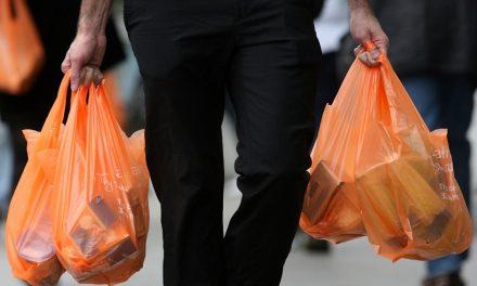ΕΟΑΝ: Τέσσερις δράσεις για να επιστρέψουν στους πολίτες τα χρήματα από το τέλος πλαστικής σακούλας